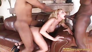 Kelly Wells interracial threesome fuck