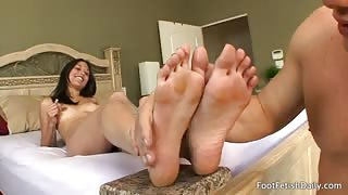 Astrid Gets Her Feet Worshipped and Sucks Some Dick