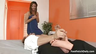 Sexy foot job with jaslene jade