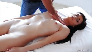 Smooth pussy girl has oil massage