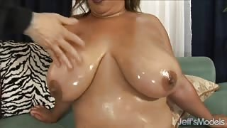 Lady Spice - Plump & Hairy Cream Pie