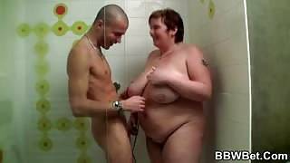Picks up a BBW to fuck her in shower