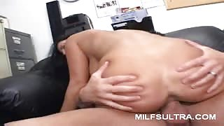 MILF Veronica Does Anal