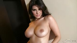 Sunny Leone firm tits